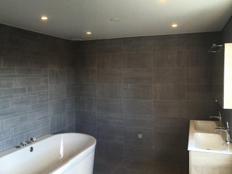 vals plafond badkamer