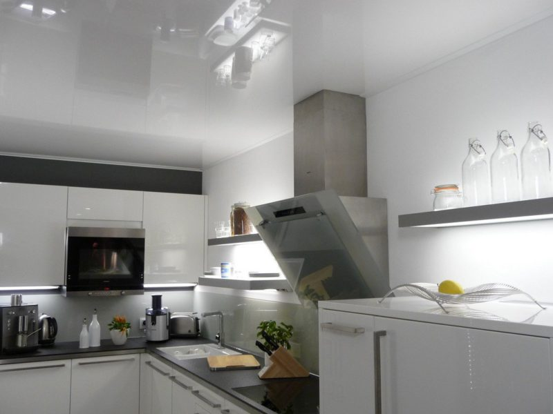 vals plafond keuken